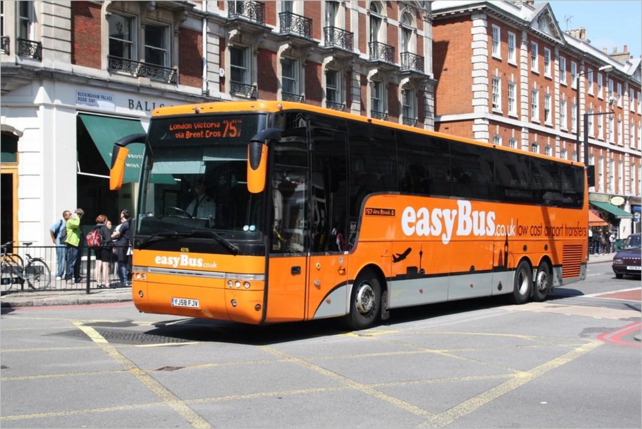 Les bus Easybus vers London Victoria