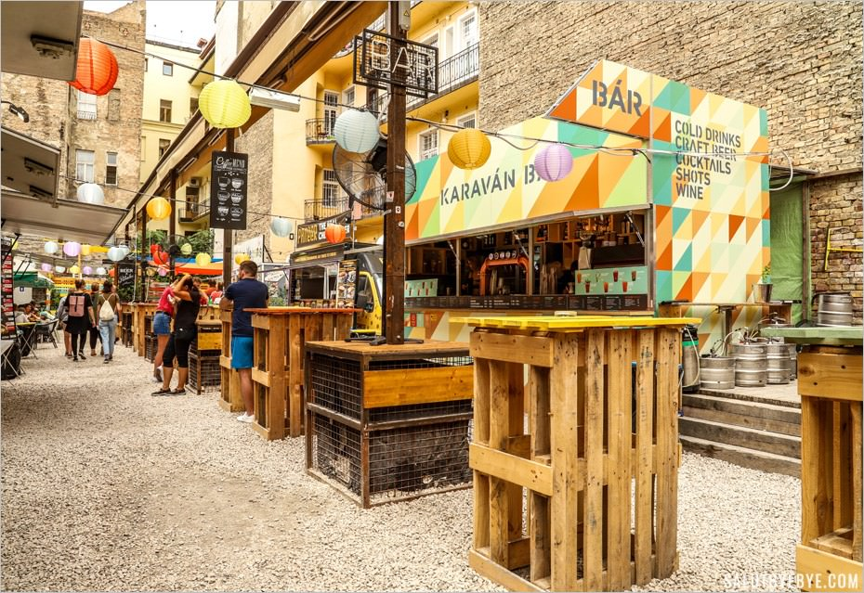 Karavan Street Food à Budapest