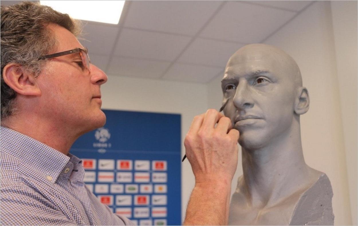 Eric Saint Chaffray sculpte Zlatan Ibrahimovic