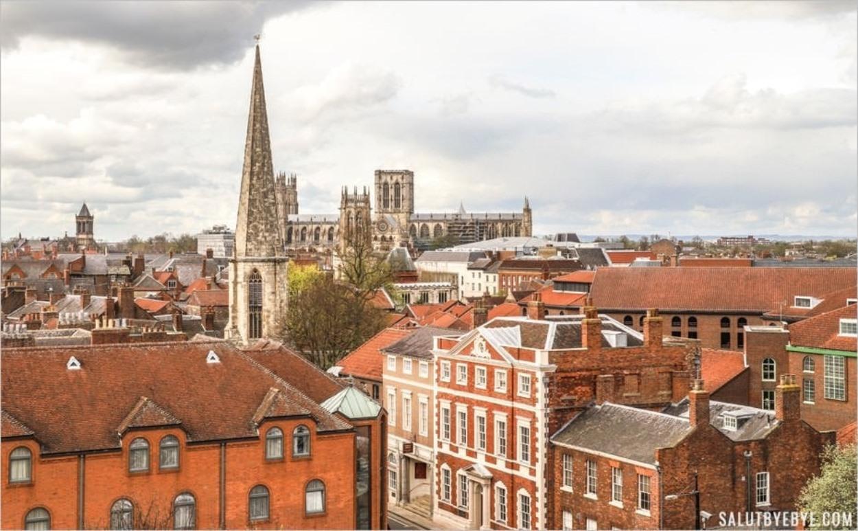 La cathédrale de York au fond, vue depuis la Clifford's Tower