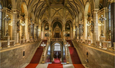 Visite du Parlement de Budapest : découvrez l'intérieur du monument !