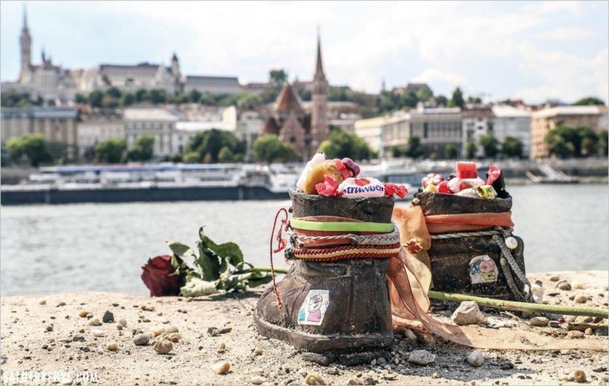 Promenade des Chaussures au bord du Danube