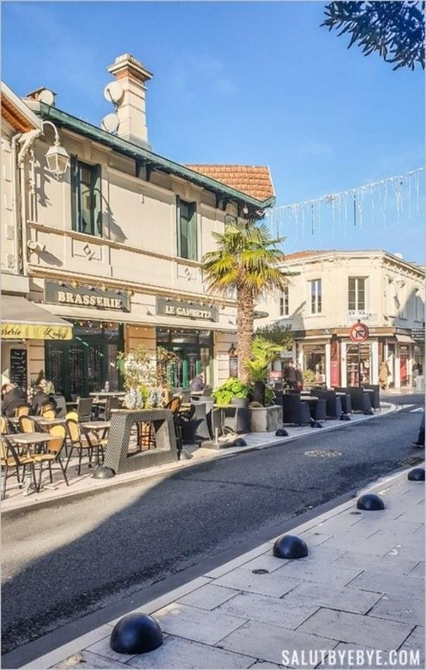 Rue du centre-ville d'Arcachon