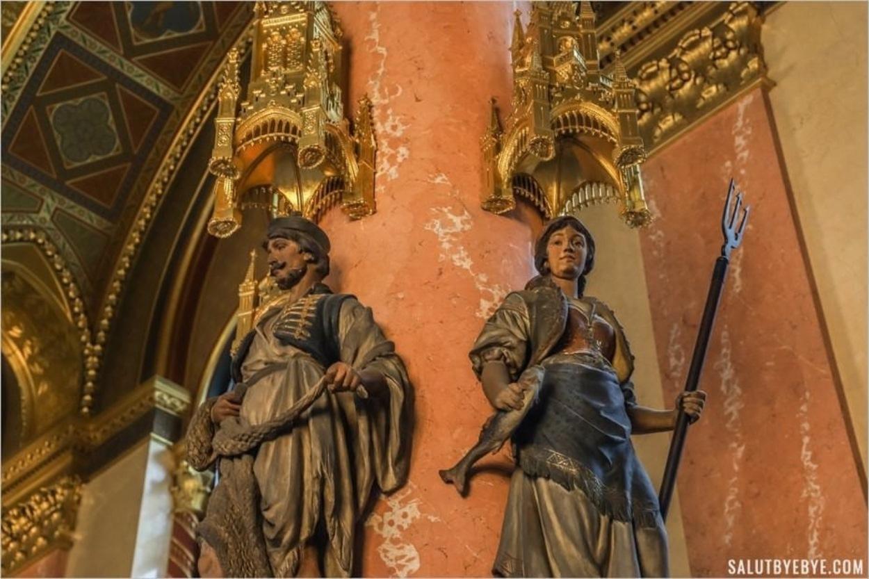 Statues au Parlement de Budapest