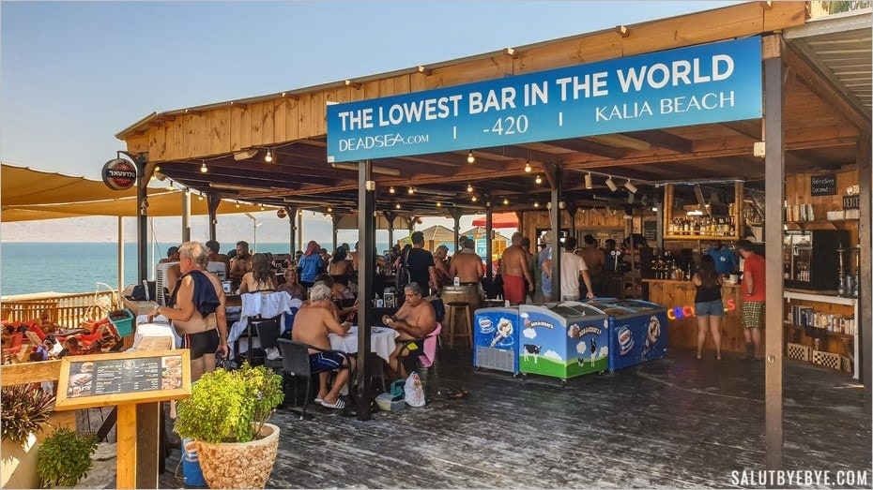 Le bar aménagé de Kalia Beach