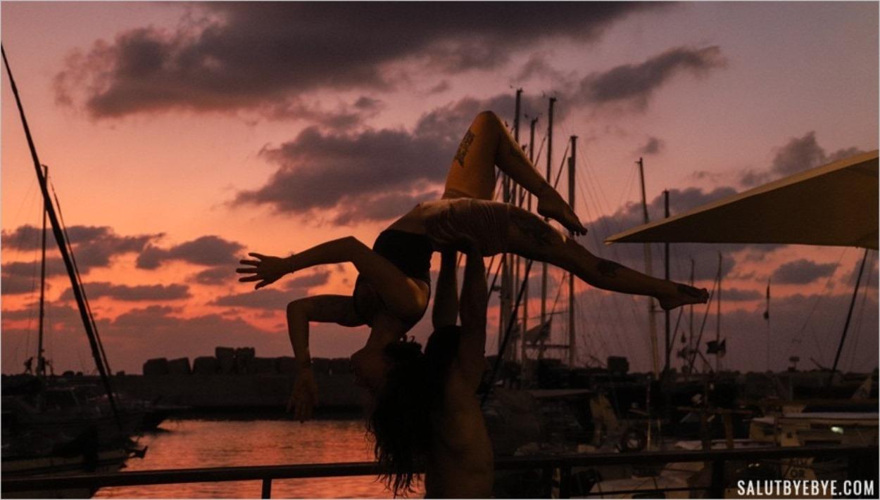 Yoga sur le port de Jaffa à Tel Aviv