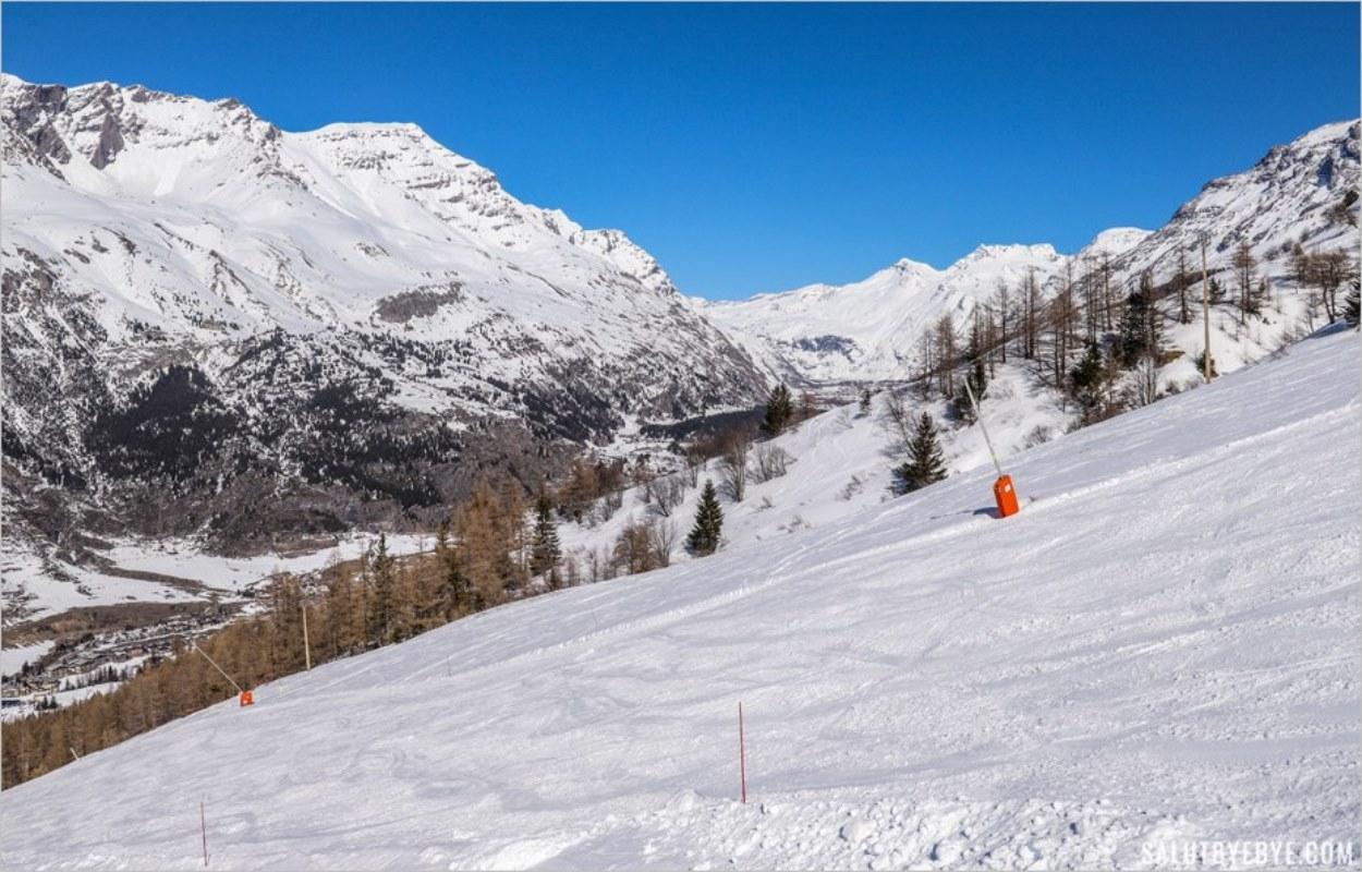 Haut de la piste rouge de la Ramasse à Val Cenis