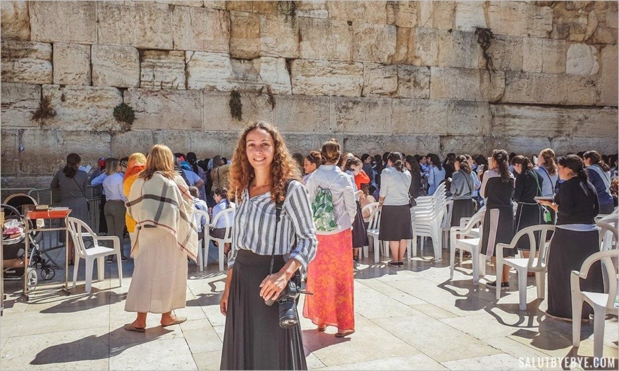 Portrait devant le mur des Lamentations à Jérusalem