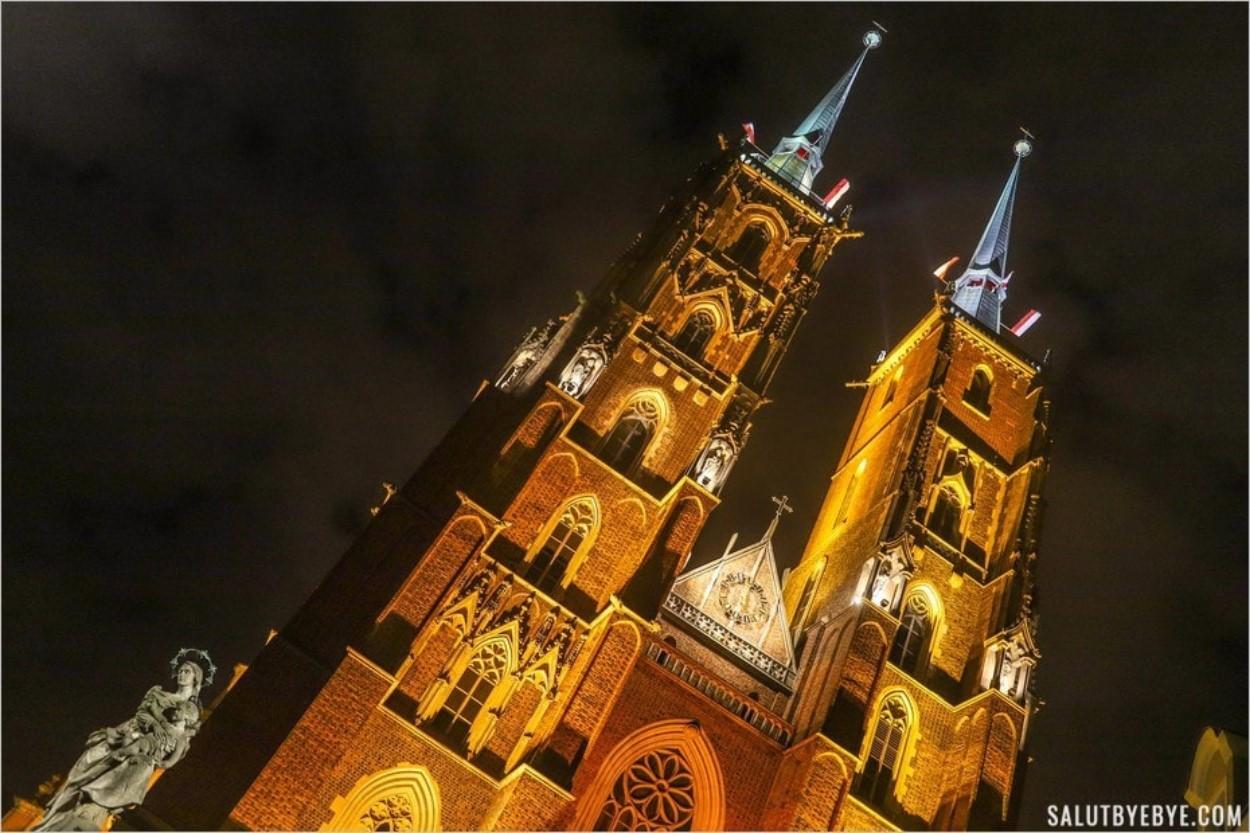 La cathédrale de Wroclaw de nuit
