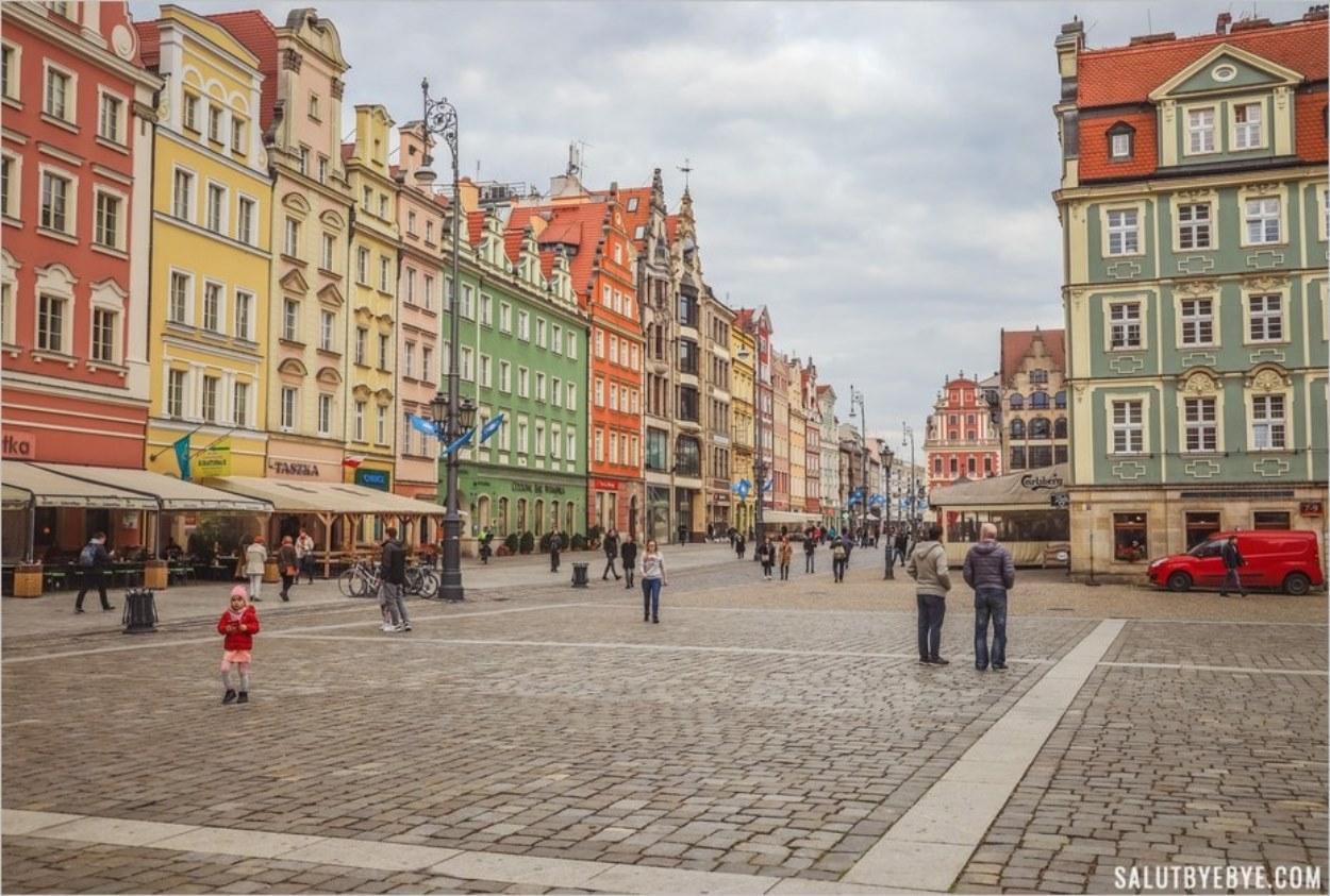 La très jolie place principale de Wroclaw, le Rynek