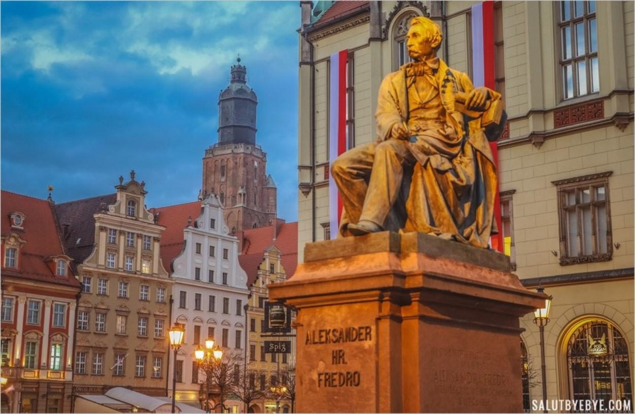 Wroclaw en Pologne à la tombée de la nuit