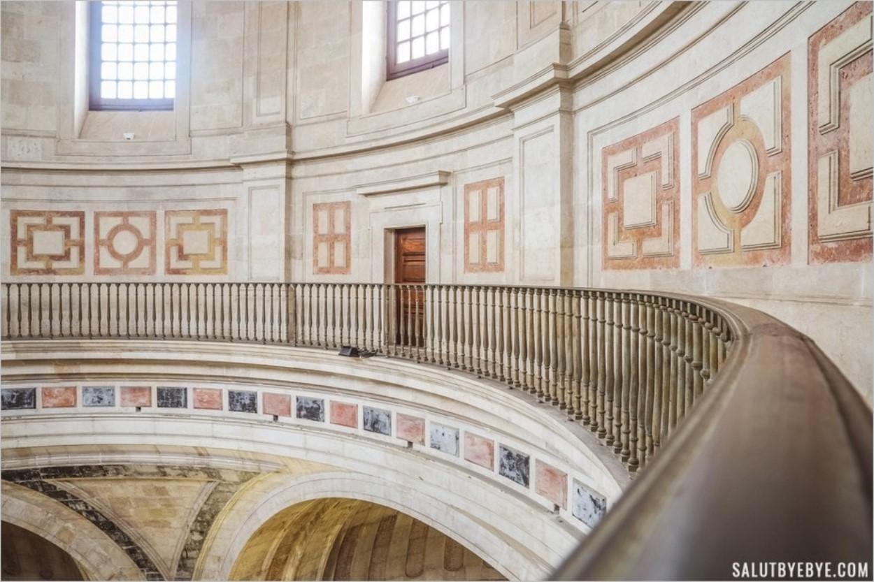 La galerie qui donne accès à la terrasse du Panthéon de Lisbonne