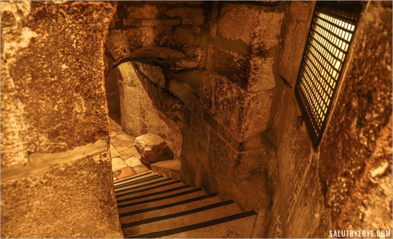 Accès aux grottes de Bethléem