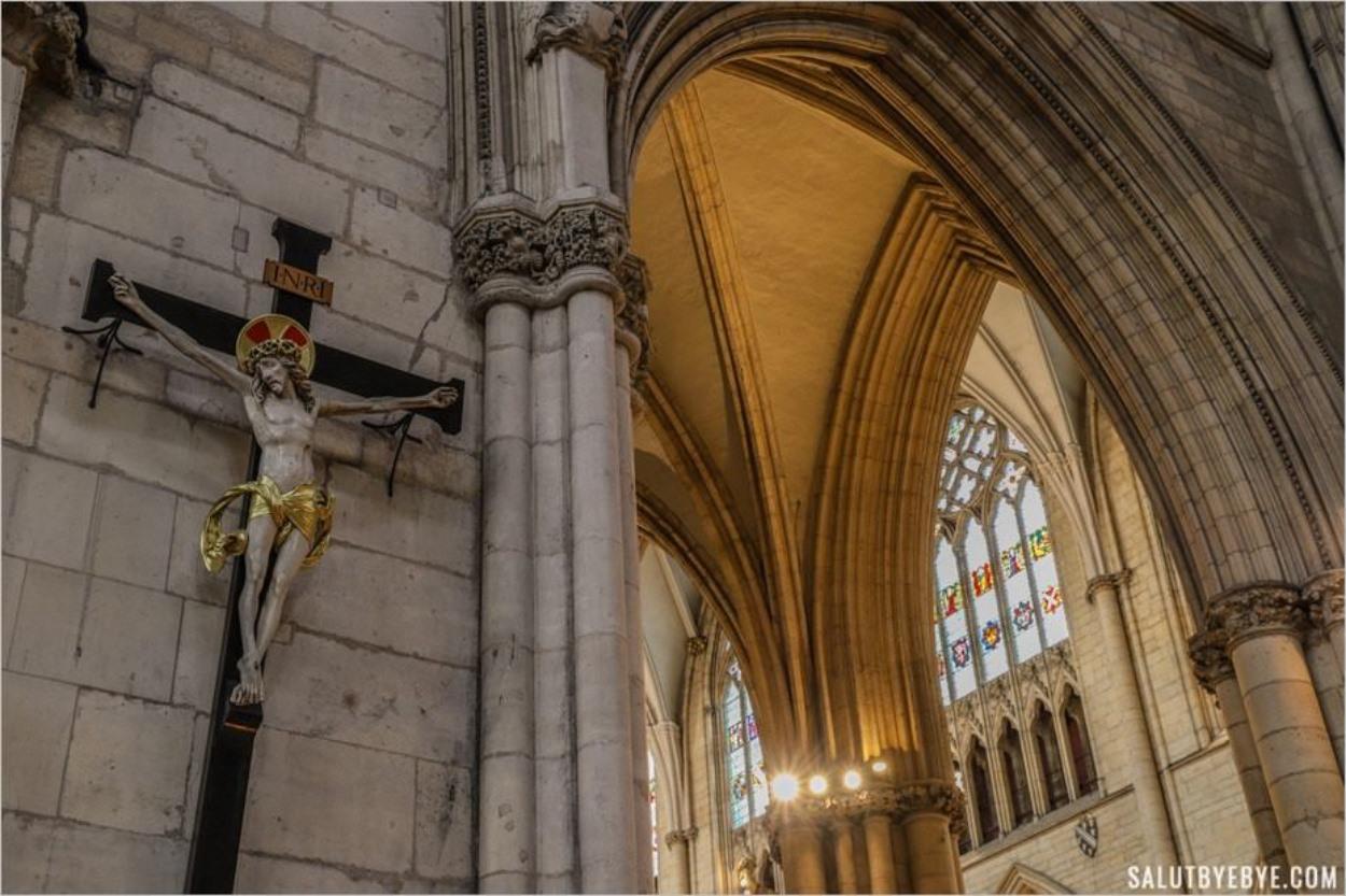 Christ en croix dans la cathédrale de York