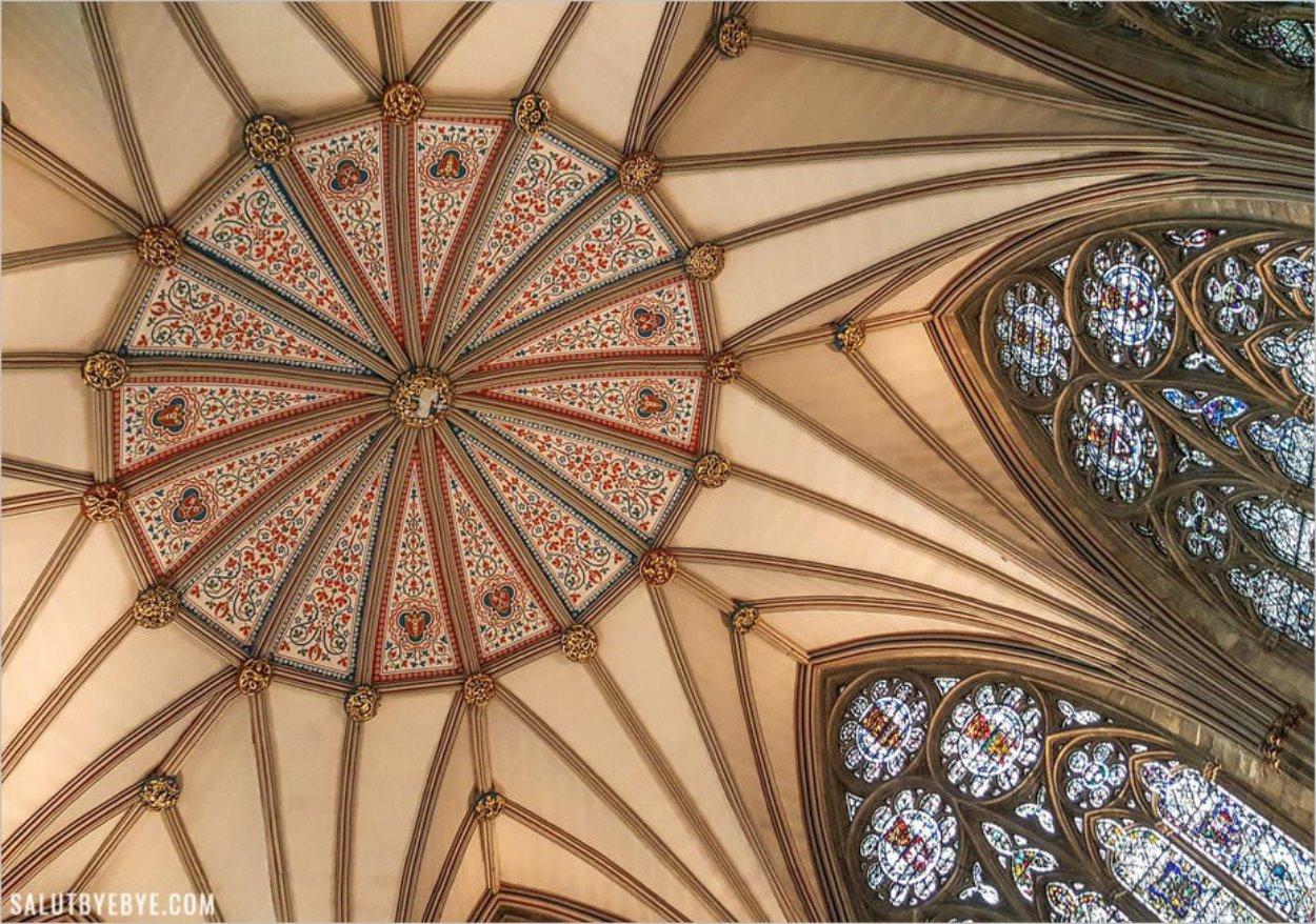 Plafond de la salle du chapitre de York Minster