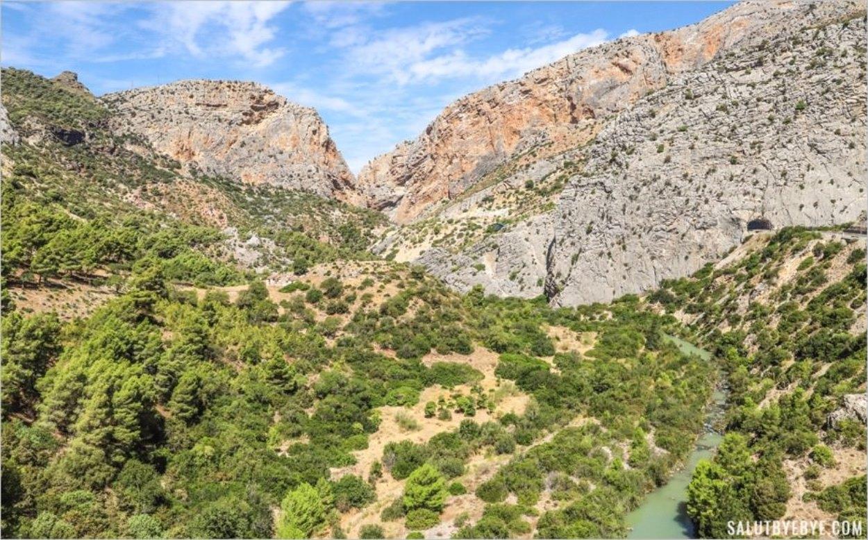 Le chemin de fer voisin du Caminito del Rey en Espagne