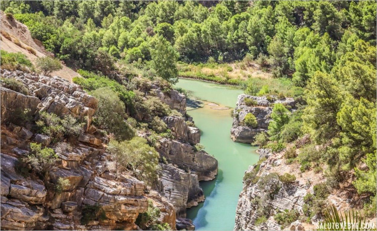 Les eaux turquoise des gorges