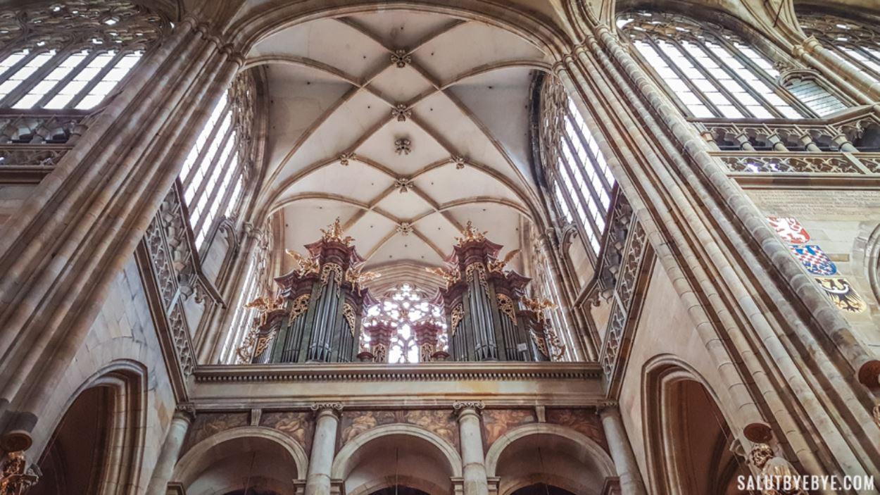 Intérieur de la cathédrale du château de Prague