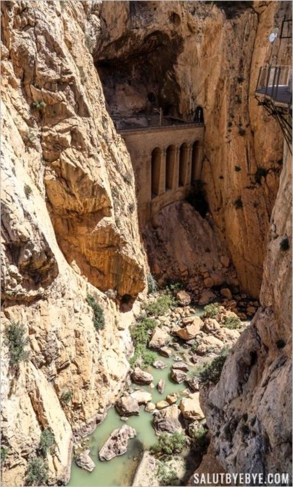Viaduc en contrebas du Caminito del Rey