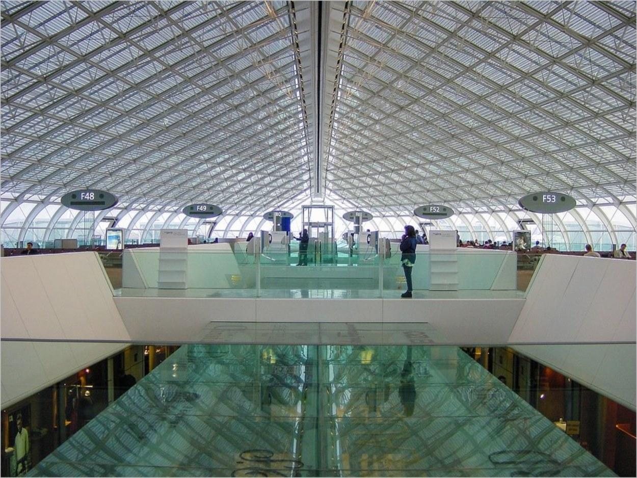 Aéroport de Roissy, terminal 2F