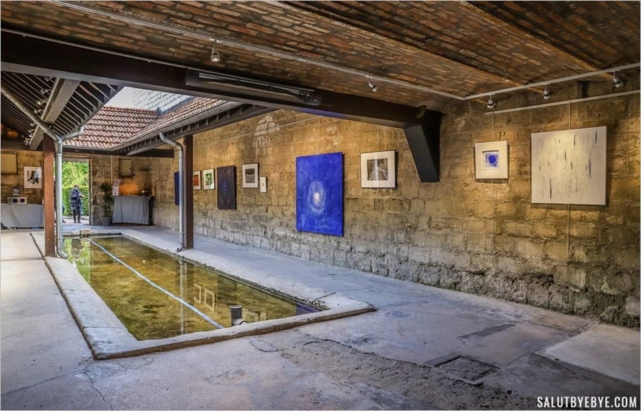 L'intérieur du lavoir de Carrières-sur-Seine
