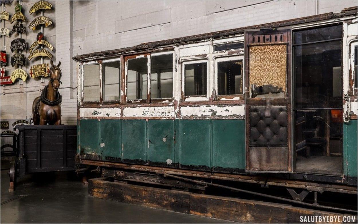 Un vieux wagon de train au National Railway Museum de York