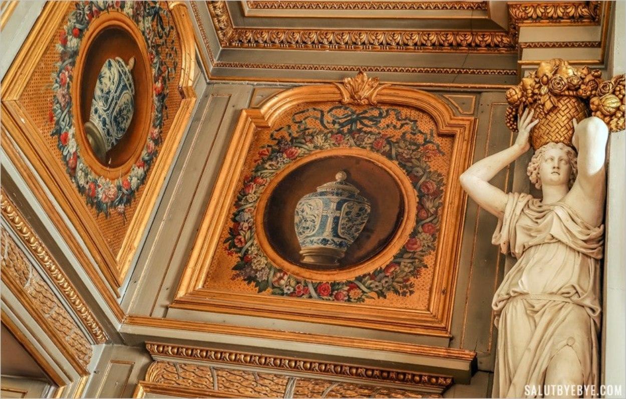 Détails du salon d'Hercule, château de Maisons-Laffitte