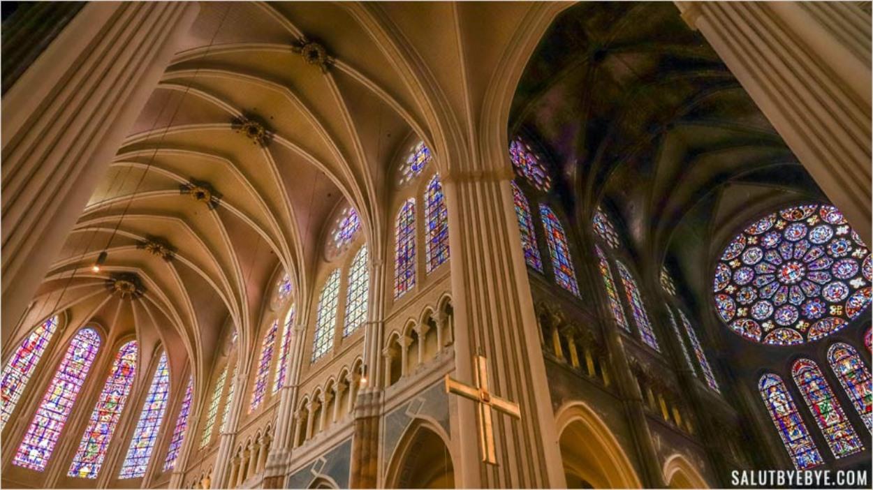 Intérieur de la cathédrale Notre-Dame de Chartres