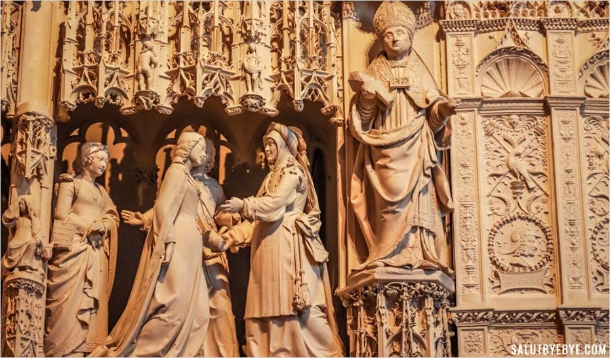 Tour du choeur de la cathédrale de Chartres